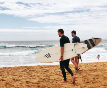 How to Clean a Surfboard – Easy Procedure and Tips