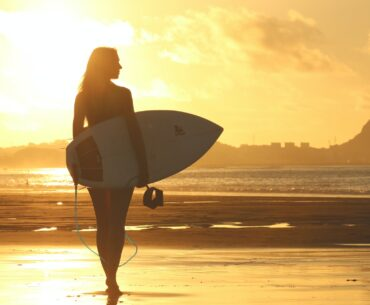 Differences Between Surfboard and Longboard